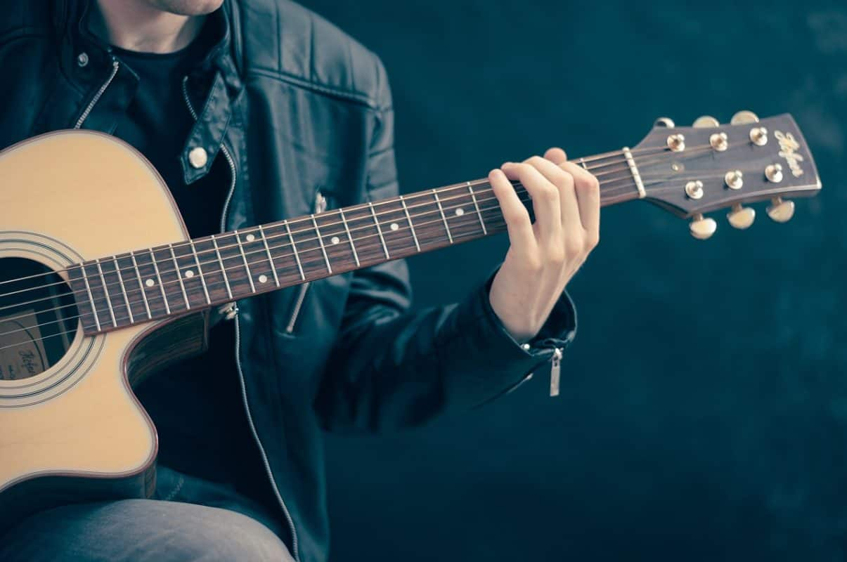 thu âm guitar