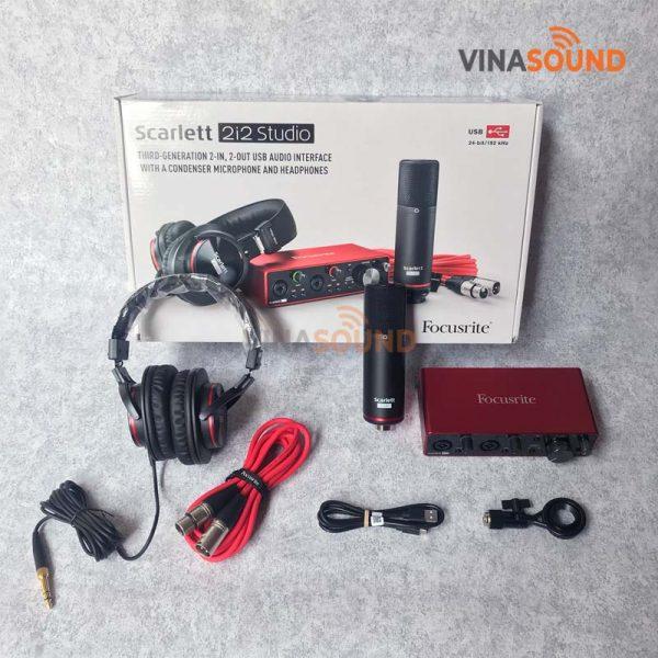 Trọn bộ Combo Focusrite Scarlett 2i2 Gen3 Studio   Ảnh: Vinasound.vn